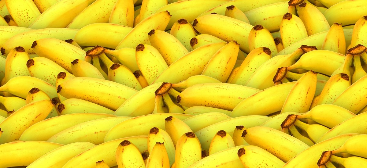 Banana Apple and Walnut Compote