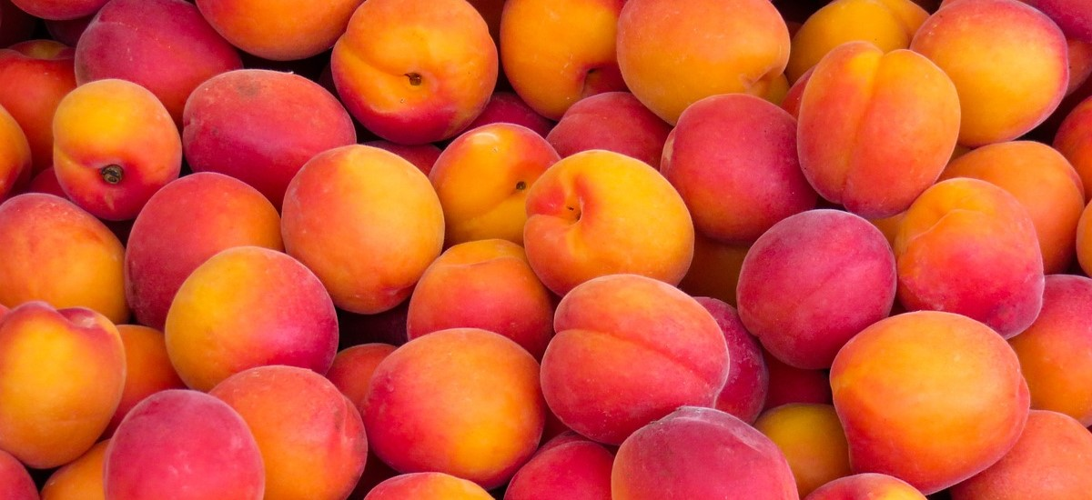 Quick and Easy Peach Cake